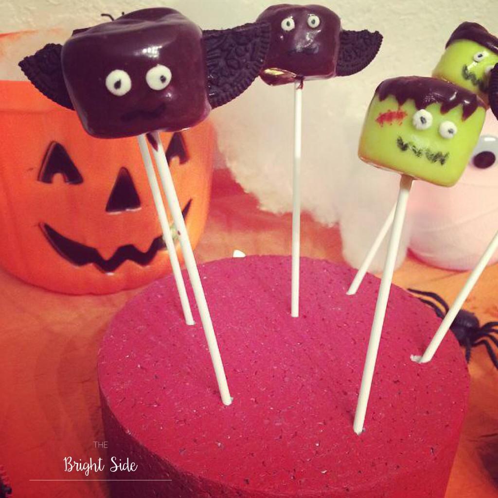 A table : Halloween