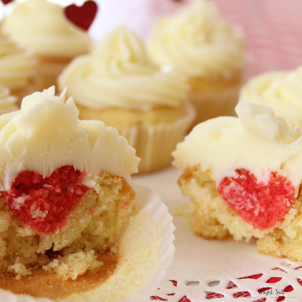 A table Cupcakes insert coeur saint valentin