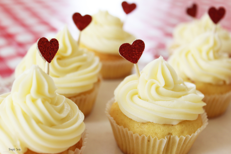 Cupcakes vanille avec insert en forme de coeur