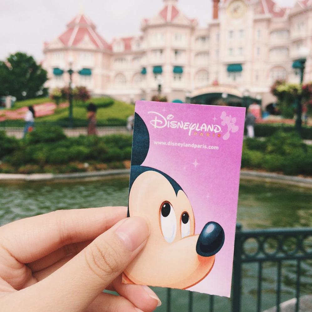 Gagner du temps à Disneyland Paris : acheter les billets en avance