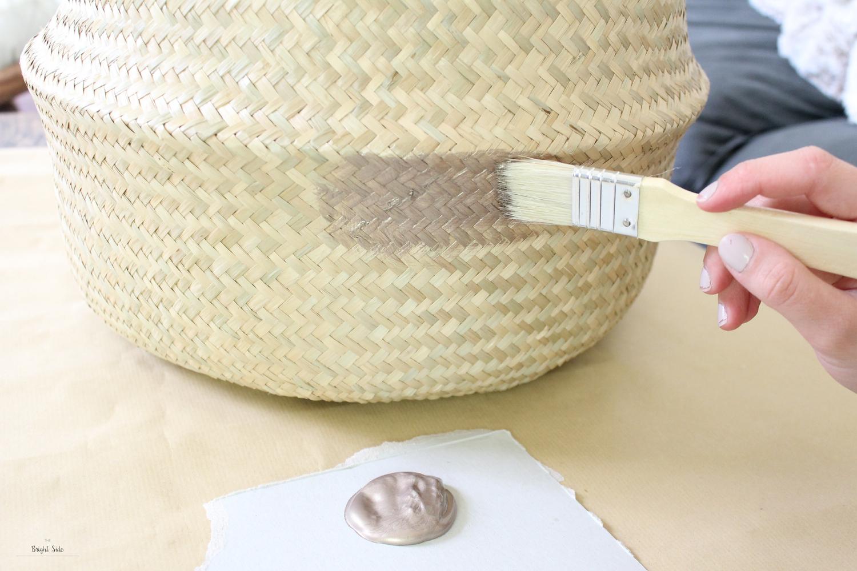 Peindre Un Panier En Osier rendez tendance un simple panier en osier grâce à ces 5