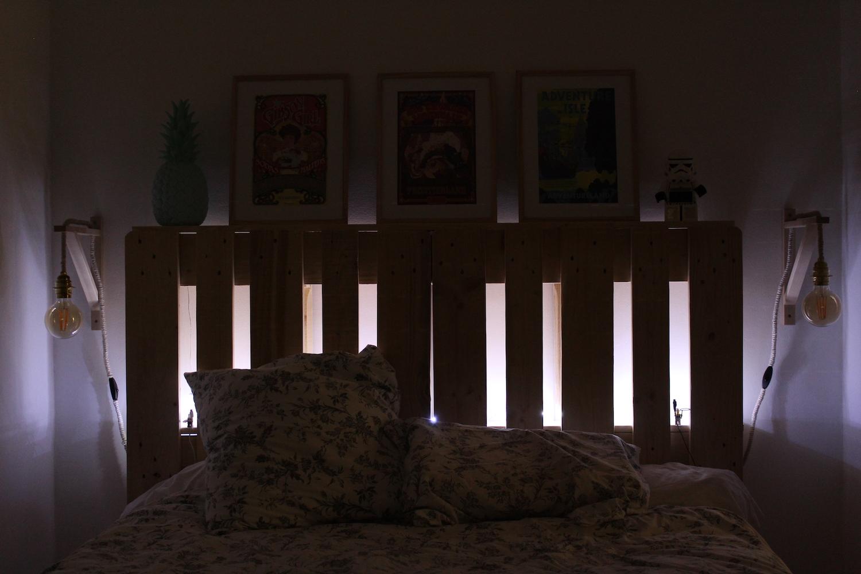 construire une tete de lit en palette. Black Bedroom Furniture Sets. Home Design Ideas