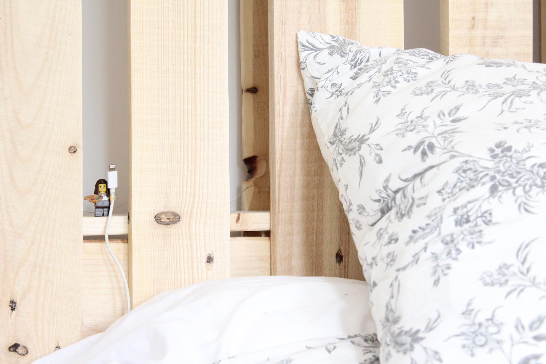 tutoriel pour construire une tête de lit en palette facilement !