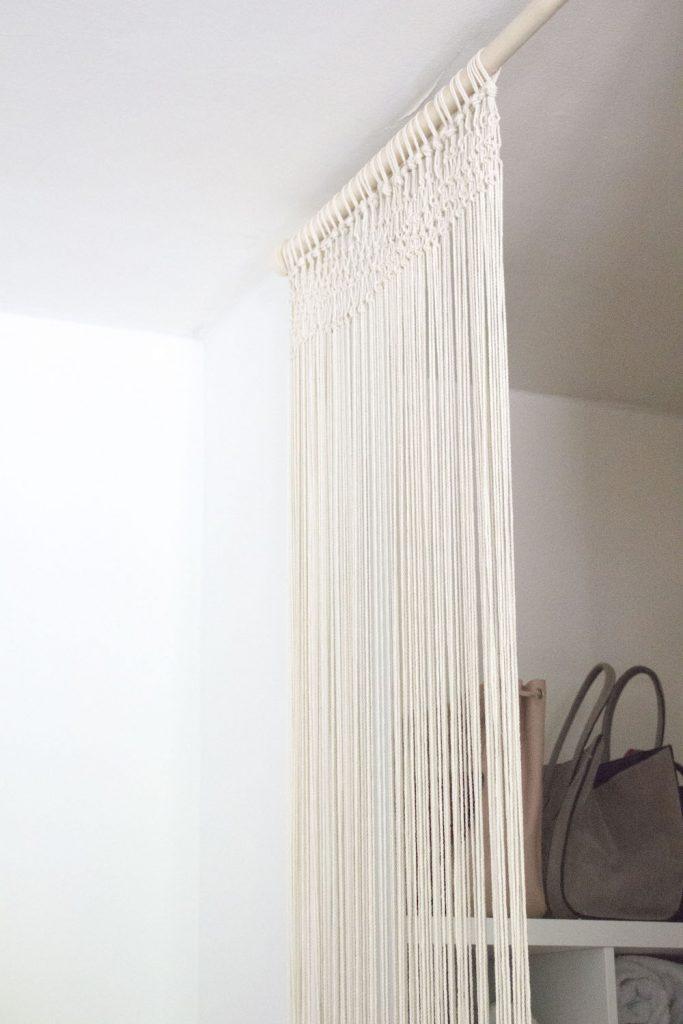 do it yourself tape par tape pour r aliser un rideau en. Black Bedroom Furniture Sets. Home Design Ideas