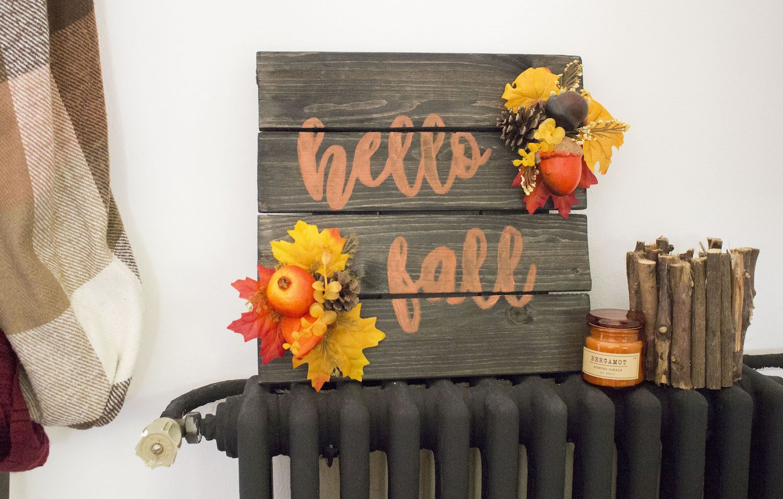 "Écriteau ""Hello Fall"""